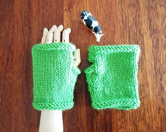 Toddler gloves - green childrens fingerless gloves - emerald green wool - kids green gloves - fun unisex gift