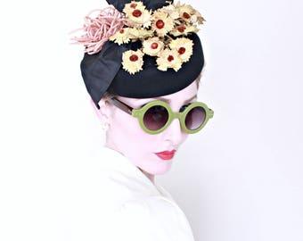1940s Vintage Hat / Vintage tilt hat / NOS / Paper flowers / Pink loops / Taffeta ribbon