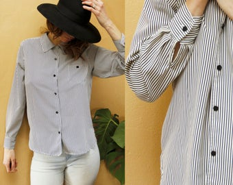 1990's Minimalist Black Pin Striped Polyester Button-down Oxford Flowy Comfortable Women's Size 10 Medium/Large Casualwear by Jaclyn Smith