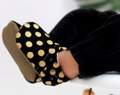 Metallic Dot Baby Shoes // Black and Gold, Glitter Moccs, Infant Shoes, Baby Booties, Baby Moccasins, Crib Shoes, Girl Polka Dot Party Shoes