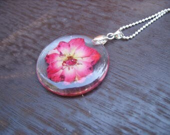 Pink Rose Jewelry, Resin Necklace, Real Flowers in Resin, Pressed Flower Jewelry, Rose Necklace, Enchanting Jewelry, Mother's Day Gift