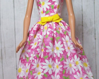 Handmade, Barbie Clothes, Pink and White,  Daisy, Barbie Dress, Barbie Doll Clothes, Fashion Doll Clothes, Floral Dress, Doll Dress
