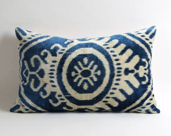 Blue ikat velvet pillow cover, Handwoven pillow, Blue, Blue Pillow, Navy Pillow, Navy Velvet Pillow, Decorative Pillow