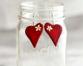 HEART EARRINGS in reclaimed wood in red with flower, Valentin's day
