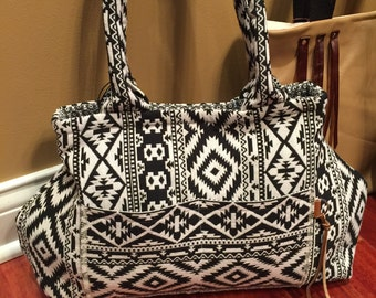 Navajo Carpet Bag in Black and White from the Frontier Collection
