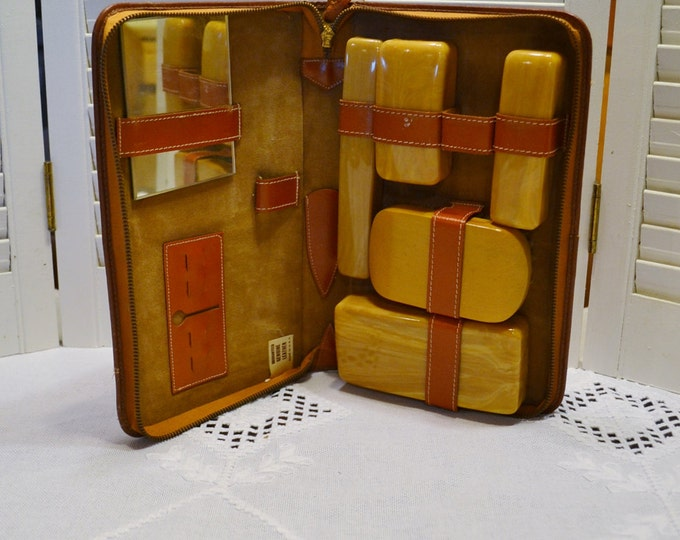 Vintage Toiletry Set Travel Vanity Set Shaving Kit Leather Case with Zipper USA PanchosPorch