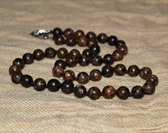 Tibetan agate necklace. 8 mm beads Tibetan agate.