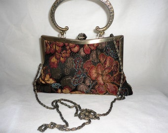 A Vintage Beaded Brass Handle Purse/Shoulder Bag*******.