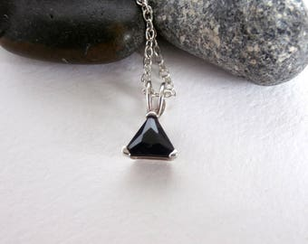 Triangle Pendant - Vintage Jewellery - Black Stone - Silver Necklace