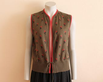 Green Vest Khaki Green Sleeveless Cardigan Knit Pullover Vest with Red  Flower  Belted Sleeveless Sweater Warm Waistcoat