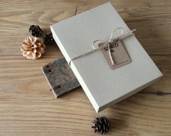 By the Shed Large Gift Box - Turfed Gift Box, Size 178mm x 128mm x 32mm, Kraft Brown Card Box - Present, Necklace, Pendant - Grass