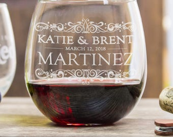 Personalized Etched Wine Glasses, anniversary gifts by year, gift for bride, gift for wife, personalized gifts, wine gifts, bride gift