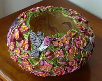 Hummingbird Gourd Art:  Snowcapped Crossvine