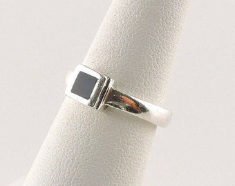 Size 5 Sterling Silver And Black Onyx Ring