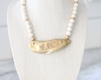 Cream and Gold Oyster Necklace