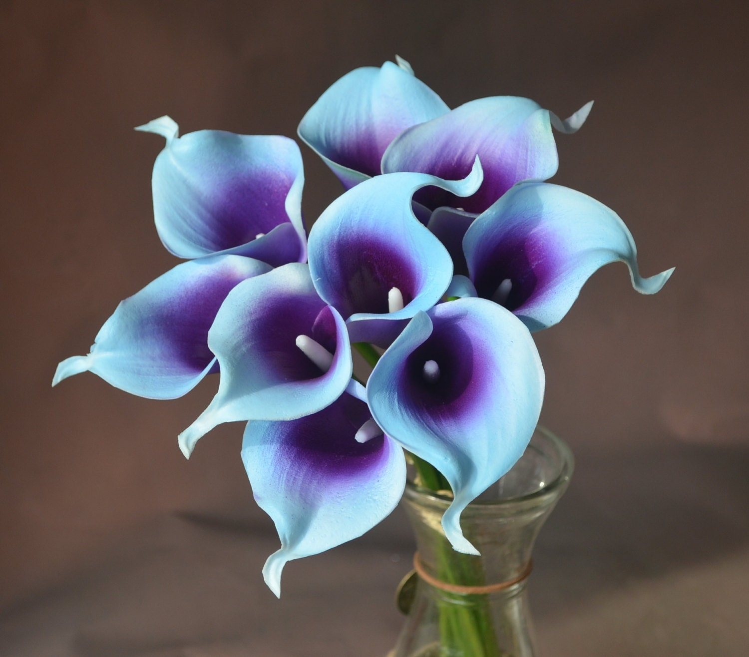 blue purple picasso calla lilies 9 stems real touch flowers. Black Bedroom Furniture Sets. Home Design Ideas