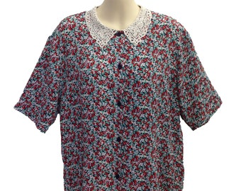 80's Vintage Floral Blouse with Lace Collar.