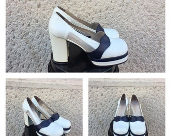70s Platform Shoes - Vintage Heeled Shoes Size 35 EU