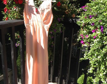 Exquisite 1930s Peach Silk Gown or Slip - Made in France