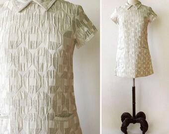 vintage Suzy Perette dress <> late 1960s Suzy Perette mini dress <> 60s silver metallic mini dress