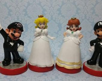 Pair of Super Mario Bros Video Game Wedding Cake Toppers, Mario, Princess Peach, Daisy, Luigi, Custom Amiibo, gamer wedding, geek wedding