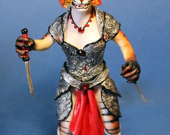 Khajiit Skyrim figurine The Elder Scrolls warrior dagger morrowind cat assasin thief armor oblivion clay gift