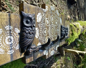 Small Rustic Owl Pallet Wood Coat Rack with cast iron hooks