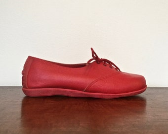Size 5.5 apple red vintage Famolare Italian leather sneakers