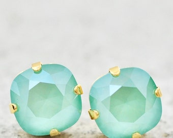 Mint Swarovski Stud Earrings Seafoam Green Bridesmaids Earrings Soft Earthy Studs Leverback Clip onl Studs Sea Glass Beach Wedding Nautical