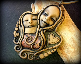 Mom and daughter pendant, mom and baby necklace, mothers arms, baby heart necklace, pregnant mother, pregnancy gift, protection talisman