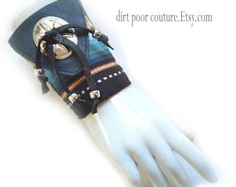 Leather | Southwest | Women's Wallet | Wrist Wallet | Wrist | Cuff | Wallet Cuff | Blue | Saltillo