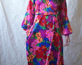 Vintage 70s  Wrap Maxi Printed Floral Dress Long Sleeves S M