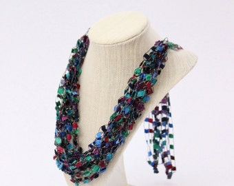 Adjustable Crochetlaces Necklace - Tapestry, wider ribbon