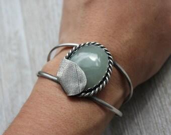 green aventurine gemstone cuff bracelet. antique oxidized sterling silver jewelry. natural gem. rustic tree. (new leaf)