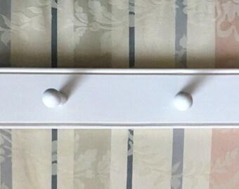 Handmade Shaker Peg Rack with Beaded Edge