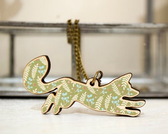Jumping Fox Wooden Pendant Gift Set With Card- Green