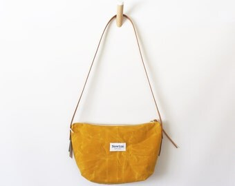 MARIGOLD / waxed canvas crossbody bag