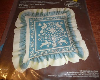 Paragon Chainstitching-Plus Flora and Fauna Pillow Kit Unopened