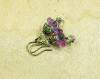 Earrings FRÜHLINGSBLÜMCHEN earrings flower blooms flower earrings Flower Earrings, purple green batik, spring summer brass bronze