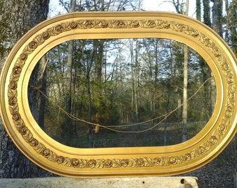 Vintage Golden Wooden Oval Frame With Rose Acents, Hollywood Regency, Re Purpose Decrative Picture Frame, Antique Oval Picture Frame