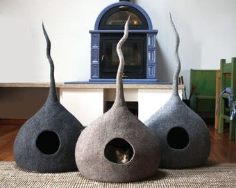 "Cat Cave ""Drop"", Cat Bed, Cat House, Pet Furniture. Hand-Felted (with olive oil soap) 100% Wool - MADE IN ITALY"