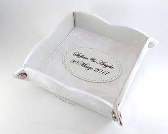 Wedding gift / Valet tray / Personalized tary / Anniversary Gift idea / catch all tray / Home Decor idea / Key Tray / Wedding favor / Vegan