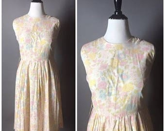 Vintage 50s dress / 1950s dress / cotton dress / day dress / floral dress / summer dress / pin up dress
