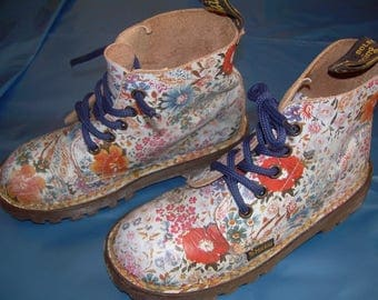 UK small girls size 10 floral Dr Martens boots - made in England -flower