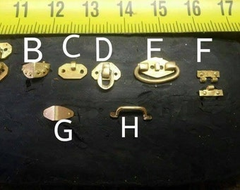 Hardware for trunks and suitcases for dollhouses scale 1/12, in brass,