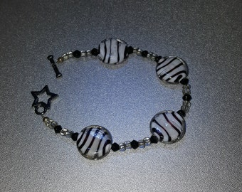 Black and white glass beads bracelet