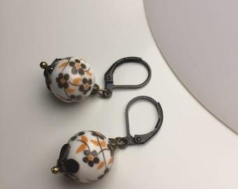 Porcelain earrings flowers Brown