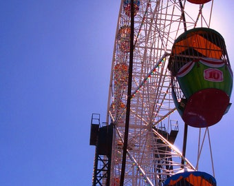 Colourful Ferris wheel - Outdoor photography print