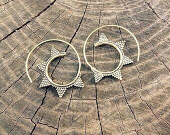On sale! Sun earrings.. Spiral brass earrings. Tribal Earrings. India earrings. Tribal earrings