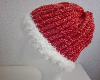 CAP, Circular loom, gift man, gift woman, red Color, white Color, soft wool, warm, Original gift, unique, comfortable